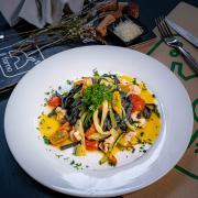 Tagliolini Neri Gamberi e Zucchine